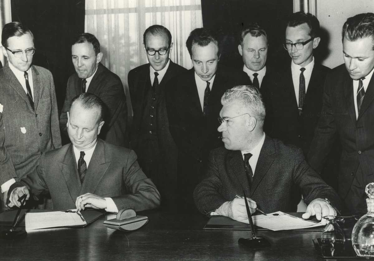 Hotline Agreement signing ceremony, June 20, 1963. (Larry Weiler is second from left in back row.)