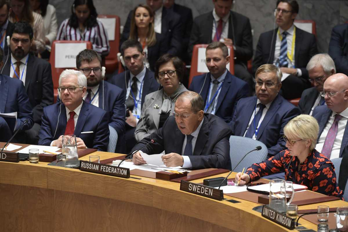 Sergey V. Lavrov (center), Minister for Foreign Affairs of the Russian Federation, addresses the Security Council meeting on nonproliferation and North Korea. (Photo: UN Photo/Evan Schneider)