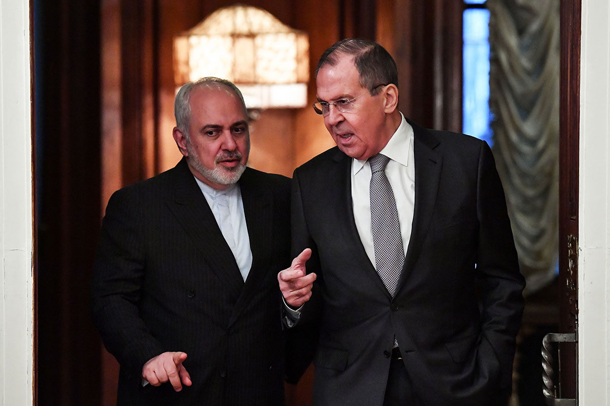 Russian Foreign Minister Sergei Lavrov (R) meets with Iran's Foreign Minister Mohammad Javad Zarif in Moscow in December 2019 (Photo by YURI KADOBNOV/AFP via Getty Images).